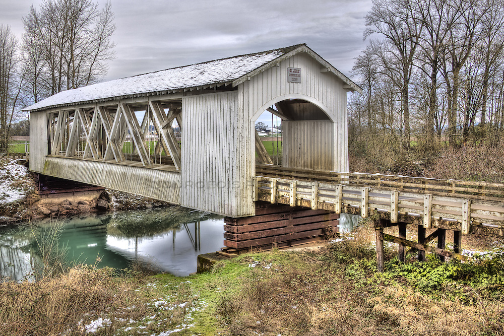 There are many wonderful and beautiful covered bridges throughout the state of Oregon.