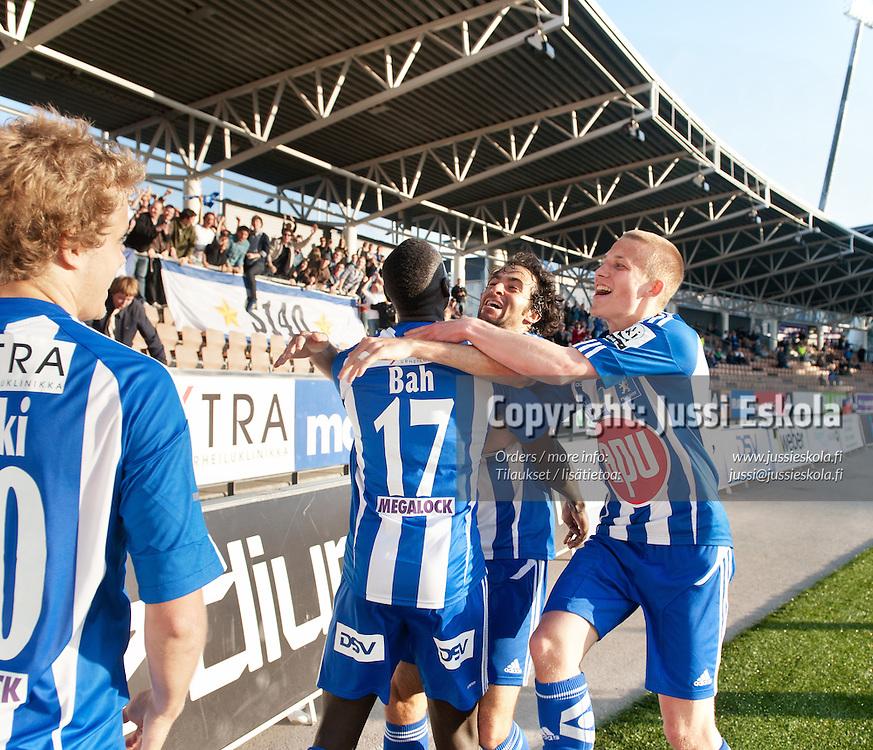 Dawda Bah juhlii maalia, kesk Rafinha, oik Alexander Ring. HJK - Inter. Veikkausliiga. Helsinki 12.5.2011. Photo: Jussi Eskola