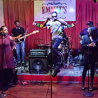 De Holley at Emmit's