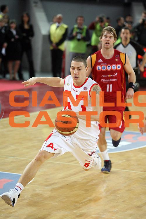 DESCRIZIONE : Roma Lega A1 2007-08 Lottomatica Virtus Roma Armani Jeans Milano<br /> GIOCATORE : Fabio Di Bella<br /> SQUADRA : Armani Jeans Milano<br /> EVENTO : Campionato Lega A1 2007-2008<br /> GARA : Lottomatica Virtus Roma Armani Jeans Milano<br /> DATA : 16/03/2008<br /> CATEGORIA : palleggio<br /> SPORT : Pallacanestro<br /> AUTORE : Agenzia Ciamillo-Castoria/E.Castoria<br /> Galleria : Lega Basket A1 2007-2008<br /> Fotonotizia : Roma Campionato Italiano Lega A1 2007-2008 Lottomatica Virtus Roma Armani Jeans Milano<br /> Predefinita :