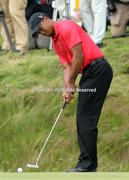 22.07.12 Lytham & St Annes, England. American Tiger Woods in action during the fourth and final round of The Open Golf Championship from the Royal Lytham & St Annes course in Lancashire