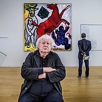 Nederland, Amsterdam, 27 mei 2016.<br /> OPWINDING - EEN TENTOONSTELLING VAN RUDI FUCHS<br /> 27 MEI - 2 OKT 2016<br /> Oud-directeur Rudi Fuchs kijkt terug op zijn lange loopbaan als museumdirecteur en tentoonstellingsmaker.&nbsp;In&nbsp;Opwinding&nbsp;gaat het om het ontdekken en beter leren kennen van kunstwerken.&nbsp;Fuchs neemt de bezoeker mee in zijn manier van kijken, die draait om tijd, geduld en zorgvuldigheid.<br /> <br /> <br /> <br /> <br /> Foto: Jean-Pierre Jans