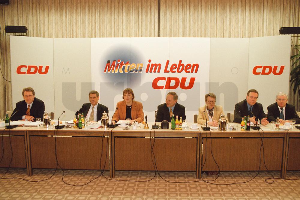 09.01.1999, Deutschland/Königswinter:<br /> Klausurtagung des CDU-Bundesvorstandes, Arbeitnehmerzentrum, Königswinter<br /> IMAGE: 19990108-02/01-30
