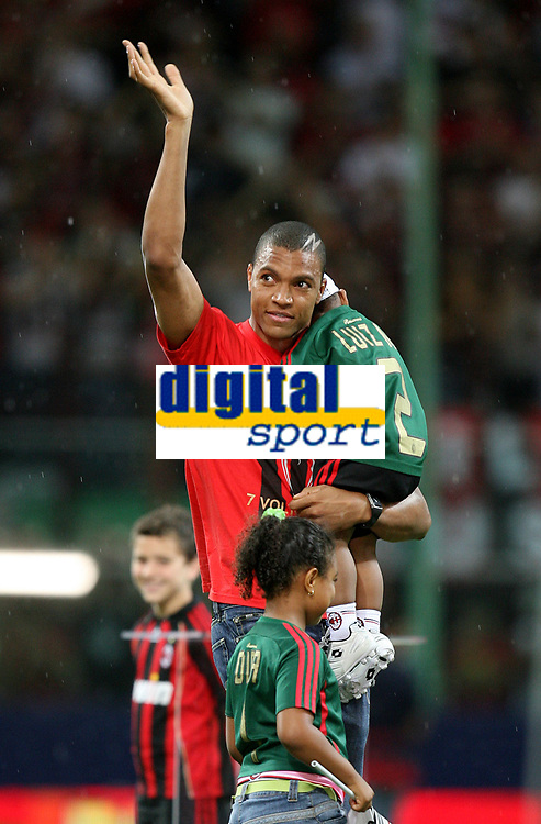 AC Milan goalkeeper Dida celebrates his Champions League at the San Siro stadium in Milan, 25 may 2007. AC Milan beat Liverpool 2-1 in the final match of the Champions League last Tuesday. INSIDE PHOTO / Paco SERINELLI