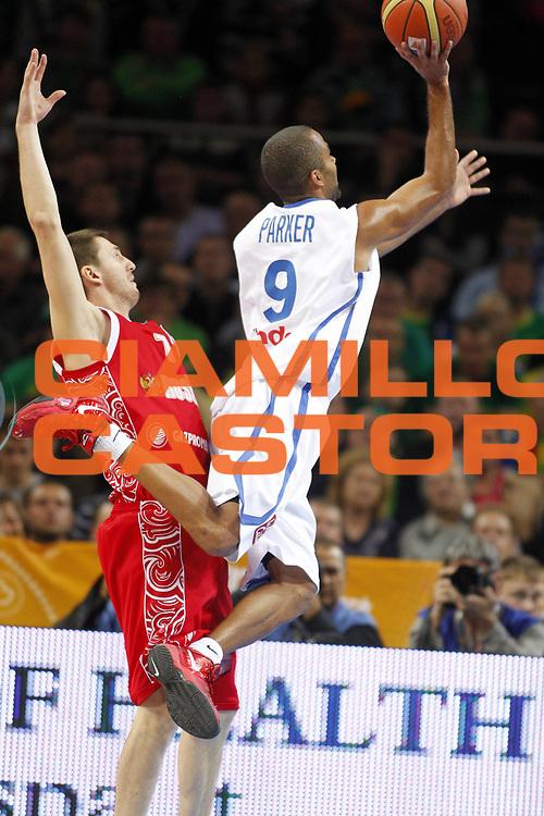 DESCRIZIONE : Kaunas Lithuania Lituania Eurobasket Men 2011 Semifinali Semi Final Round Francia Russia France Russia<br /> GIOCATORE : Tony Parker<br /> SQUADRA : Francia France<br /> EVENTO : Eurobasket Men 2011<br /> GARA : Francia Russia France Russia<br /> DATA : 16/09/2011 <br /> CATEGORIA : tiro shot<br /> SPORT : Pallacanestro <br /> AUTORE : Agenzia Ciamillo-Castoria/ElioCastoria<br /> Galleria : Eurobasket Men 2011 <br /> Fotonotizia : Kaunas Lithuania Lituania Eurobasket Men 2011 Semifinali Semi Final Round Francia Russia France Russia<br /> Predefinita :