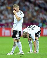 FUSSBALL  EUROPAMEISTERSCHAFT 2012   HALBFINALE Deutschland - Italien              28.06.2012 Bastian Schweinsteiger (li) und Marco Reus (re, beide Deutschland)  sind enttaeuscht
