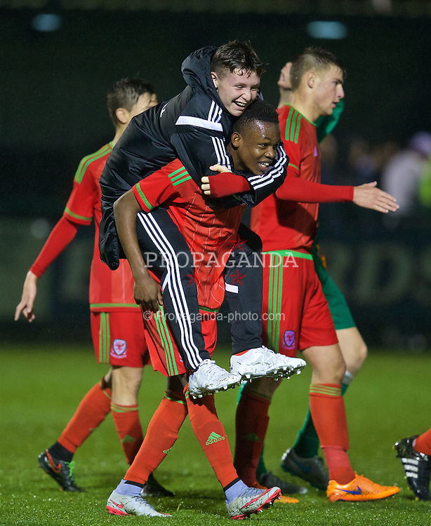 NEWPORT, WALES - Tuesday, November 3, 2015: Wales' goal-scorer Rabbi Matonda celebrates after the 2-1 victory over Republic of Ireland during the Under-16's Victory Shield International match at Dragon Park. (Pic by David Rawcliffe/Propaganda)