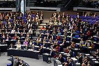 30 NOV 2005, BERLIN/GERMANY:<br /> Uebersicht der SPD Bundestagsfraktion im Plenarsaal, Deutscher Bundestag<br /> IMAGE: 20051130-01-011<br /> KEYWORDS: Übersicht