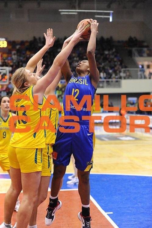 DESCRIZIONE : Chile Cile U19 Women World Championship 2011 Australia Brazil Brasile<br /> GIOCATORE : Damiris Dantas<br /> SQUADRA : Brazil Brasile<br /> EVENTO : Chile Cile U19 Women World Championship 2011 <br /> GARA : Australia Brazil Brasile<br /> DATA : 31/07/2011<br /> CATEGORIA : tiro<br /> SPORT : Pallacanestro <br /> AUTORE : Agenzia Ciamillo-Castoria/C.De Massis<br /> Galleria : Fiba U19 World Championship Women Chile 2011<br /> Fotonotizia : Chile Cile U19 Women World Championship 2011 Australia Brazil Brasile<br /> Predefinita :