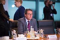 DEU, Deutschland, Germany, Berlin, 16.10.2019: Bundesverkehrsminister Andreas Scheuer (CSU) vor Beginn der 71. Kabinettsitzung im Bundeskanzleramt.