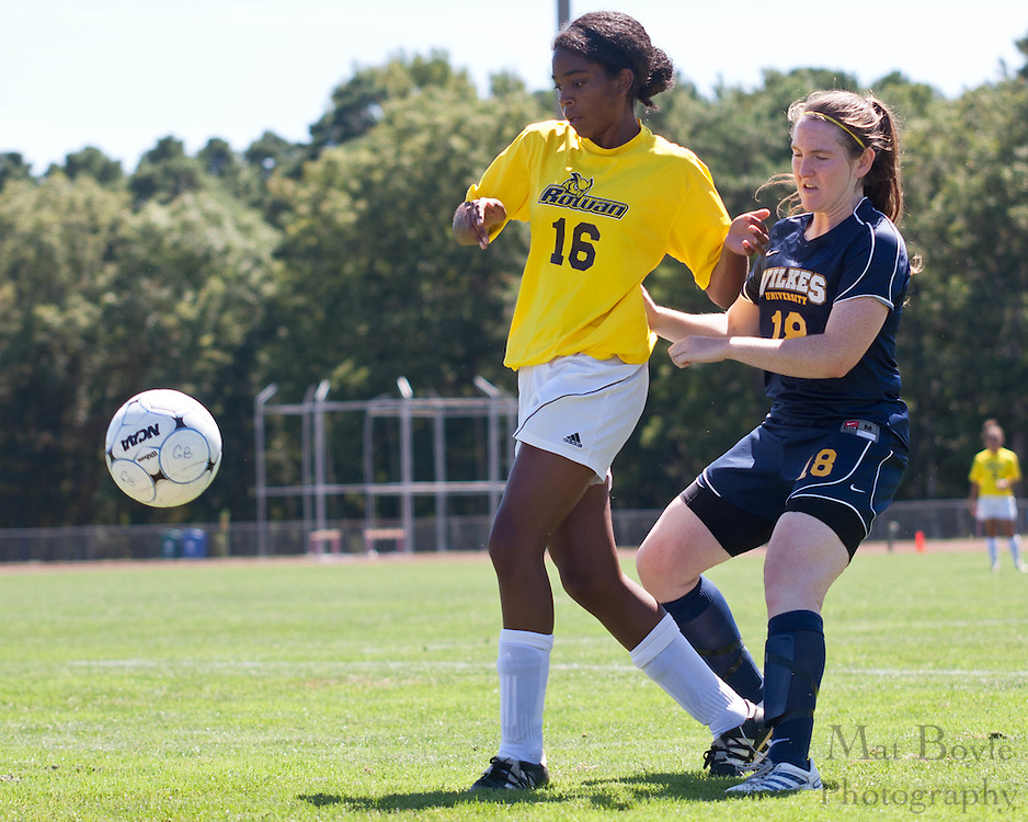 2010 September 05: Rowan University defeats Wilkes Universityat Richard Stockton College in Pomona, NJ 5-0.