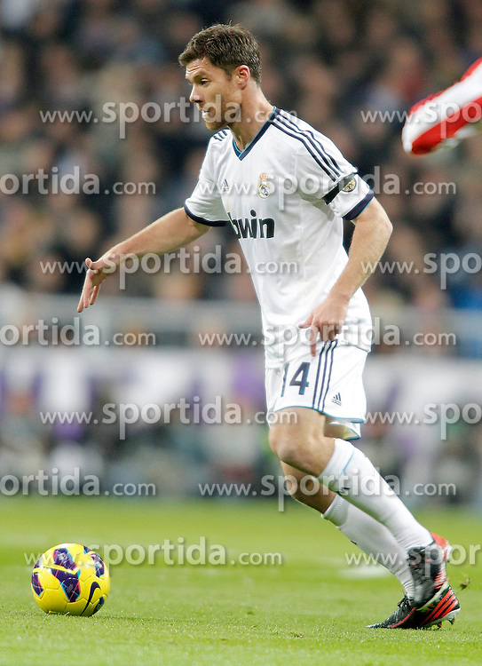 01.12.2012, Estadio Santiago Bernabeu, Madrid, ESP, Primera Division, Real Madrid vs Atletico Madrid, 14. Runde, im Bild Real Madrid's Xabi Alonso // during during the Spanish Primera Division 14th round match between Real Madrid CF and Club Atletico de Madrid at the Estadio Santiago Bernabeu, Madrid, Spain on 2012/12/01. EXPA Pictures © 2012, PhotoCredit: EXPA/ Alterphotos/ Alvaro Hernandez..***** ATTENTION - OUT OF ESP and SUI *****
