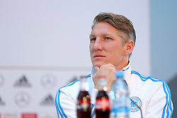 08.06.2015, Mercedes Benz Zenter, Koeln, GER, Nationalmannschaft, Pressekonferenz, im Bild Bastian Schweinsteiger (FC Bayern Muenchen) nachdenklich // during a press conference of the german national football team at the Mercedes Benz Zenter in Koeln, Germany on 2015/06/08. EXPA Pictures © 2015, PhotoCredit: EXPA/ Eibner-Pressefoto/ Schüler<br /> <br /> *****ATTENTION - OUT of GER*****
