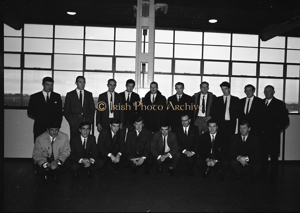 Irish Rugby Football Union, Irish team departs for Paris, 25th January 1968, 25.1.68, 1.25.68,