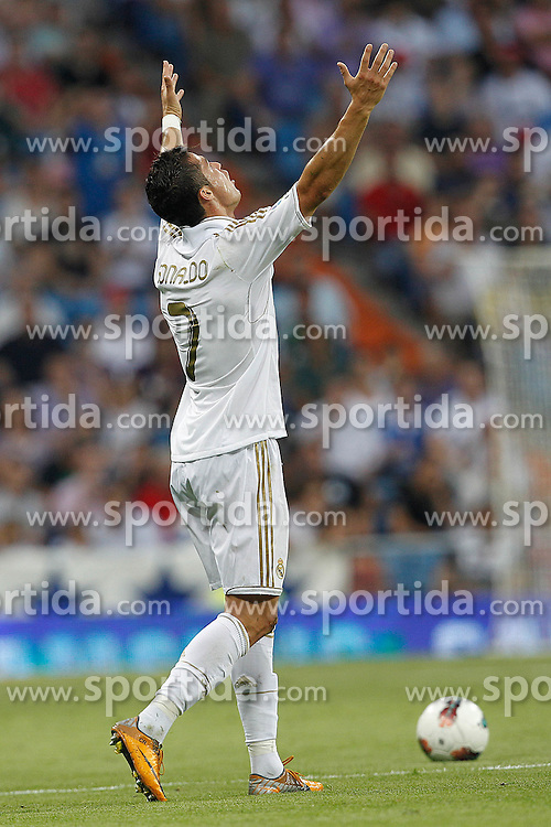 10.09.2011, Estadio Santiago Bernabeu, Madrid, ESP, Primera Division, Real Madrid vs Getafe, im Bild Real Madrid's Cristiano Ronaldo yellow card during La Liga match on september 10th 2011. EXPA Pictures © 2011, PhotoCredit: EXPA/ Alterphoto/ Cesar Cebolla +++++ ATTENTION - OUT OF SPAIN/(ESP) +++++