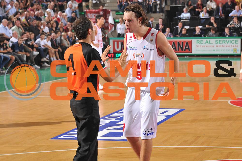 DESCRIZIONE : Treviso Lega A 2012-13 EA7 Umana Venezia Trenkwalder Reggio Emilia <br /> GIOCATORE : michele antonutti arbitro<br /> CATEGORIA : delusione<br /> SQUADRA : Umana Venezia Trenkwalder Reggio Emilia <br /> EVENTO : Campionato Lega A 2012-2013 <br /> GARA : Umana Venezia Trenkwalder Reggio Emilia <br /> DATA : 06/10/2012<br /> SPORT : Pallacanestro <br /> AUTORE : Agenzia Ciamillo-Castoria/M.Gregolin<br /> Galleria : Lega Basket A 2012-2013  <br /> Fotonotizia : Treviso Lega A 2012-13 Umana Venezia Trenkwalder Reggio Emilia <br /> Predefinita :