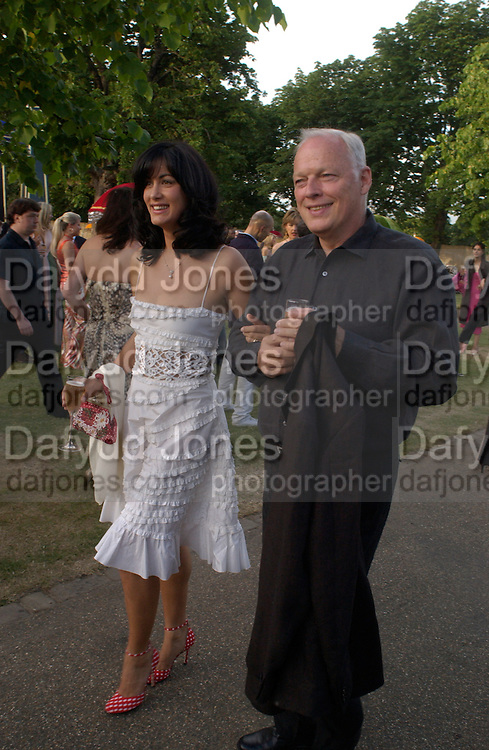 Polly Sampson and David Gilmour, The  Summer party, hosted by the Serpentine Gallery and Robert Cavalli, 16 June 2004. 16 June 2004. SUPPLIED FOR ONE-TIME USE ONLY> DO NOT ARCHIVE. © Copyright Photograph by Dafydd Jones 66 Stockwell Park Rd. London SW9 0DA Tel 020 7733 0108 www.dafjones.com