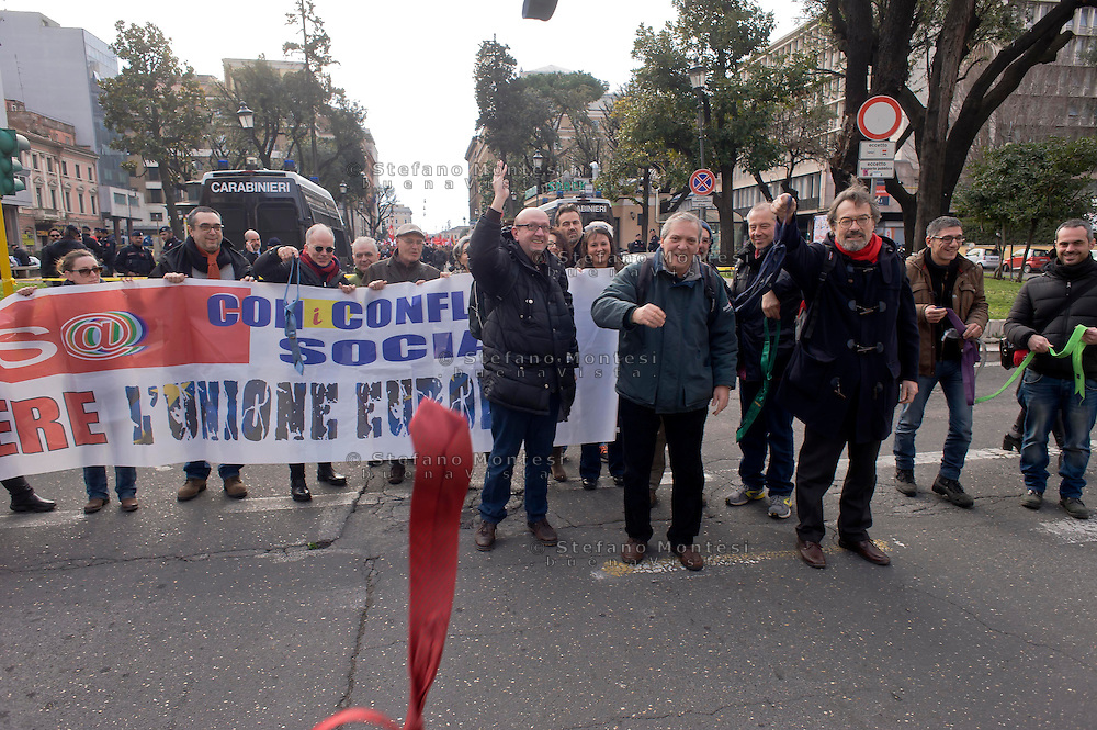 Roma, 14 Febbraio  2015<br /> Manifestazione di solidarietà con la Grecia di Alexis Tsipras e contro le politiche di austerity imposte dalla troika. Lancio di cravatte davanti l'ambasciata della Germania.<br /> Rome, February 14, 2015<br /> Demonstration of solidarity with Greece  of Alexis Tsipras and against austerity policies imposed by the Troika.  Launch of ties before the embassy of Germany
