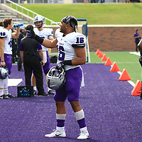 Football: University of Mary Hardin-Baylor Crusaders vs. University of St. Thomas (Minnesota) Tommies