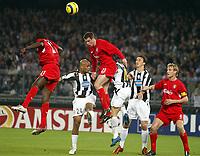 Fotball<br /> Champions League 2004/05<br /> Juventus v Liverpool<br /> 13. april 2005<br /> Foto: Digitalsport<br /> NORWAY ONLY<br /> JAMIE CARRAGHER (LIV) / RUBEN OLIVERA (JUV)