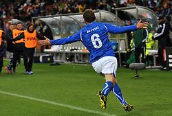 Football - soccer: FIFA World Cup South Africa 2010, Italy (ITA) - Paraguay (PRY), L' ESULTANZA DI DANIELE DE ROSSI DOPO IL SUO GOL DEL DEFINITIVO PAREGGIO