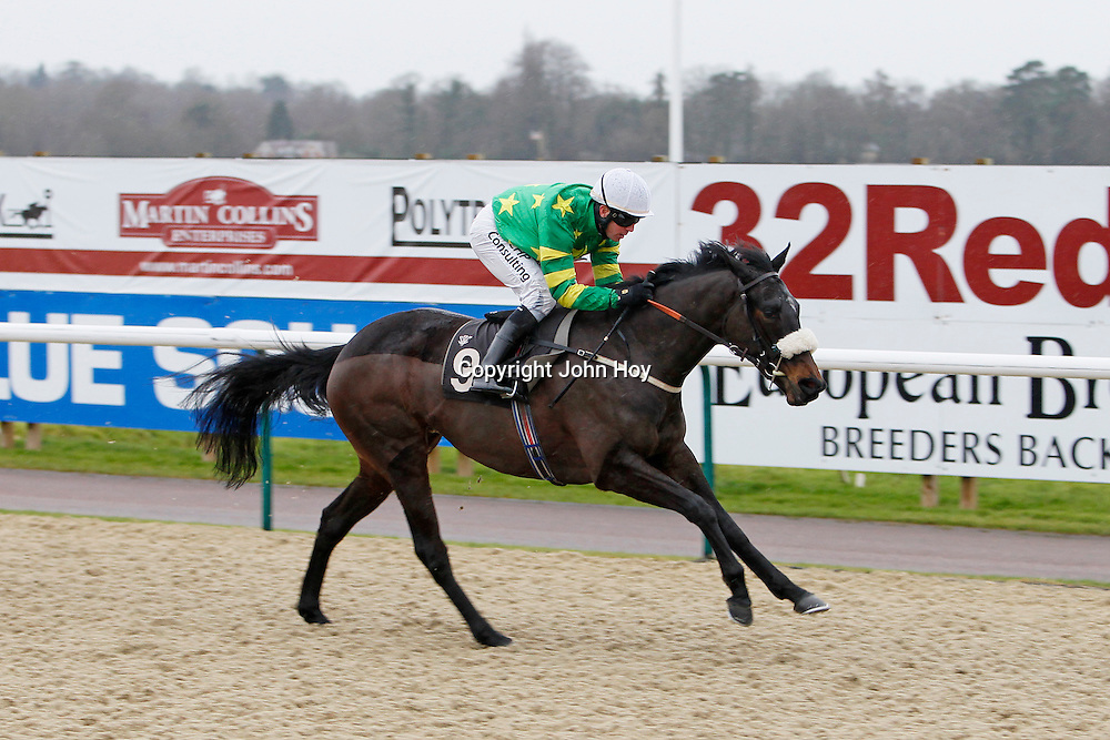 Lucky Di and Jim Crowley winning the 1.30 race