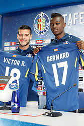 05.08.2015, Coliseum Alfonso Perez, Getafe, ESP, Primera Division, FC Getafe, Spielerpräsentation, im Bild Getafe's new players Bernard Mensah (r) and Victor Rodriguez during their official presentation // during Official Player Presentation of Spanish Primera Division club Getafe cf at the Coliseum Alfonso Perez in Getafe, Spain on 2015/08/05. EXPA Pictures © 2015, PhotoCredit: EXPA/ Alterphotos/ Acero<br /> <br /> *****ATTENTION - OUT of ESP, SUI*****