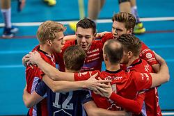 04-02-2017 NED: Draisma Dynamo - VC Nesselande, Apeldoorn<br /> Dynamo wint vrij eenvoudig en verslaat Nesselande met 3-0 / Vreugde bij Nesselande