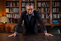 31 MAY 2010, BERLIN/GERMANY:<br /> Jagdish Natwarlal Bhagwati, indischer Oekonom und Professor fuer Politik und Wirtschaft an der Columbia University, nach einem Interview, Bibiothek der American Academy<br /> IMAGE: 20100531-02-101<br /> KEYWORDS: Jagdish Bhagwati, Ökonom