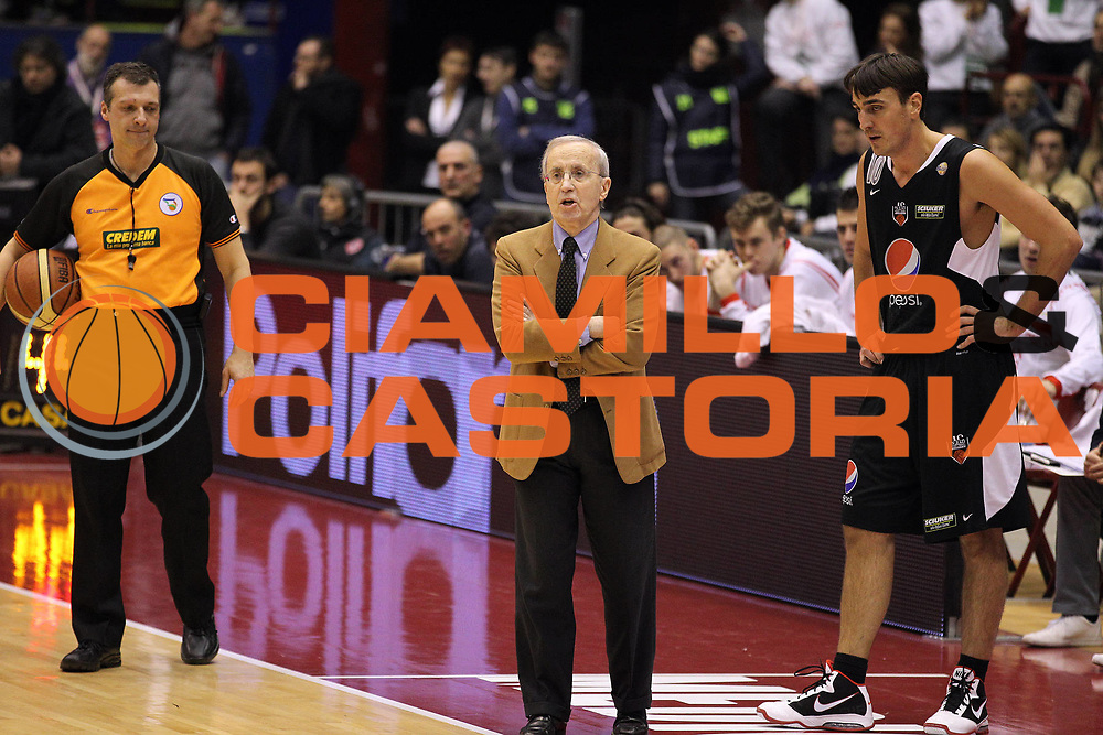 DESCRIZIONE : Milano Lega A 2010-11 Armani Jeans Milano Pepsi Caserta<br /> GIOCATORE : Dan Peterson<br /> SQUADRA : Armani Jeans Milano<br /> EVENTO : Campionato Lega A 2010-2011<br /> GARA : Armani Jeans Milano Pepsi Caserta<br /> DATA : 05/01/2011<br /> CATEGORIA : Ritratto<br /> SPORT : Pallacanestro<br /> AUTORE : Agenzia Ciamillo-Castoria/G.Cottini<br /> Galleria : Lega Basket A 2010-2011<br /> Fotonotizia : Milano Lega A 2010-11 Armani Jeans Milano Pepsi Caserta<br /> Predefinita :