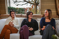 """Rondetafel gesprek met """"De Madammen""""<br /> Inge Vandael, Wendy Laeremans, Lies Vlamynck<br /> Restaurant Het Pannenhuis - Massenhoven 2013<br /> © Dirk Caremans"""