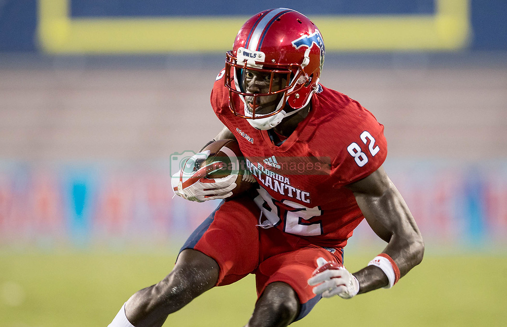 September 16, 2017 - Boca Raton, Florida, U.S. - Florida Atlantic Owls wide receiver Tavaris Harrison (82) in Boca Raton, Florida on September 16, 2017. (Credit Image: © Allen Eyestone/The Palm Beach Post via ZUMA Wire)
