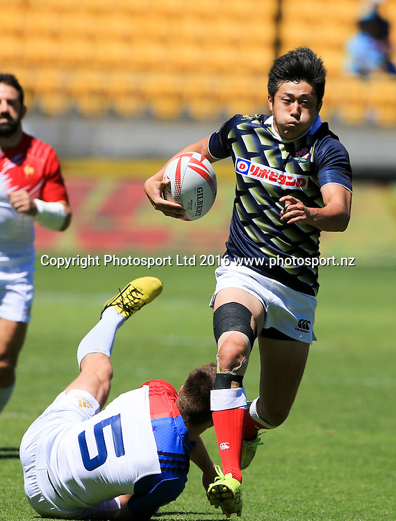 Japan's Kosuke Hashino steps through a tackle against France, Finals Day, HSBC World Sevens Series, Westpac Stadium, Wellington, New Zealand. Sunday, 31 January, 2016. Copyright photo: John Cowpland / www.photosport.nz