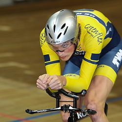 27-12-2014: Wielrennen: NK Baanwielrennen: Apeldoorn Dion Beukeboom pakt de Nederlandse titel op de achtervolging