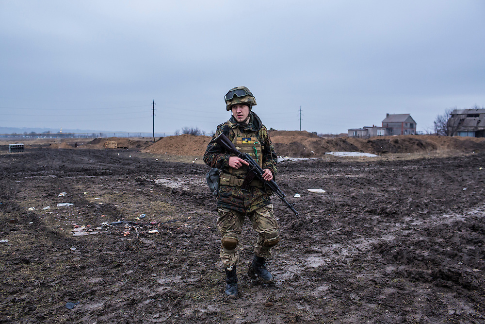 TALAKIVKA, UKRAINE - FEBRUARY 5, 2015: A member of the St. Mary's Battalion, a pro-Ukraine militia, near one of the group's front-line encampments in Talakivka, Ukraine. With more than 220 people having died in the past several weeks, a new diplomatic push is underway to bring an end to fighting between pro-Russia rebels and Ukrainian forces. CREDIT: Brendan Hoffman for The New York Times