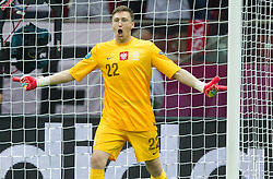 08-06-2012 VOETBAL: EURO 2012 POLEN - GRIEKENLAND: WARSCHAU<br /> Przemyslaw Tyton of Poland celebrate after the penalty shot<br /> ***NETHERLANDS ONLY***<br /> ©2012-FotoHoogendoorn.nl/Vid Ponikvar