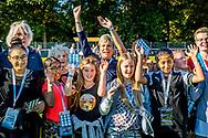 DEN HAAG - Prinses Laurentien rent mee tijdens een sponsorloop om geld in te zamelen voor kinderen uit arme gezinnen op initiatief van de Haagse Raad van Kinderen in het Zuiderpark in Den Haag.  <br /> THE HAGUE - Princess Laurentien runs along during a sponsor run to raise money for children from poor families on the initiative of the Hague Children's Council in the Zuiderpark in The Hague. copyrright robin utrecht