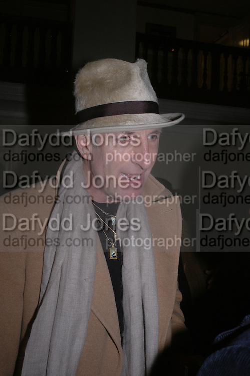 Richard Strange. Annabel Freyberg and Andrew Barrow drinks party. The Royal Geographical Society. 5 January 2006. ONE TIME USE ONLY - DO NOT ARCHIVE  © Copyright Photograph by Dafydd Jones 66 Stockwell Park Rd. London SW9 0DA Tel 020 7733 0108 www.dafjones.com