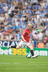 WIGAN, ENGLAND - Sunday, May 11, 2008: Manchester United's Paul Scholes during the final Premiership match of the season against Wigan Athletic at the JJB Stadium. (Photo by David Rawcliffe/Propaganda)