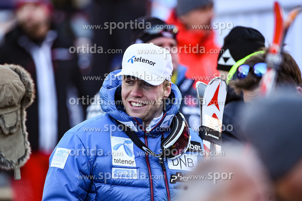16.12.2016, Saslong, St. Christina, ITA, FIS Ski Weltcup, Groeden, Super G, Herren, Flower Zeremonie im Bild Aleksander Aamodt Kilde (NOR) // Aleksander Aamodt Kilde of Norway reacts after his run for the men's SuperG of FIS Ski Alpine World Cup at the Saslong race course in St. Christina, Italy on 2016/12/16. EXPA Pictures © 2016, PhotoCredit: EXPA/ Erich Spiess