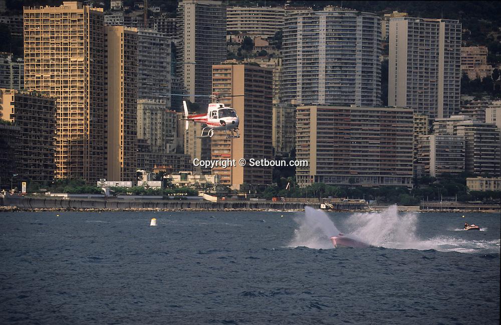 old boats in the port during the  - classic week -     Monaco        bateaux evoluant dans le port de monaco duant  la  - clasic week -     Monaco   R00286/16    L3253  /  R00286  /  P0007581
