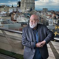 Jose Luis Cuerda, Director de cine, en la terraza del Círculo de Bellas Artes.<br /> Madrid.