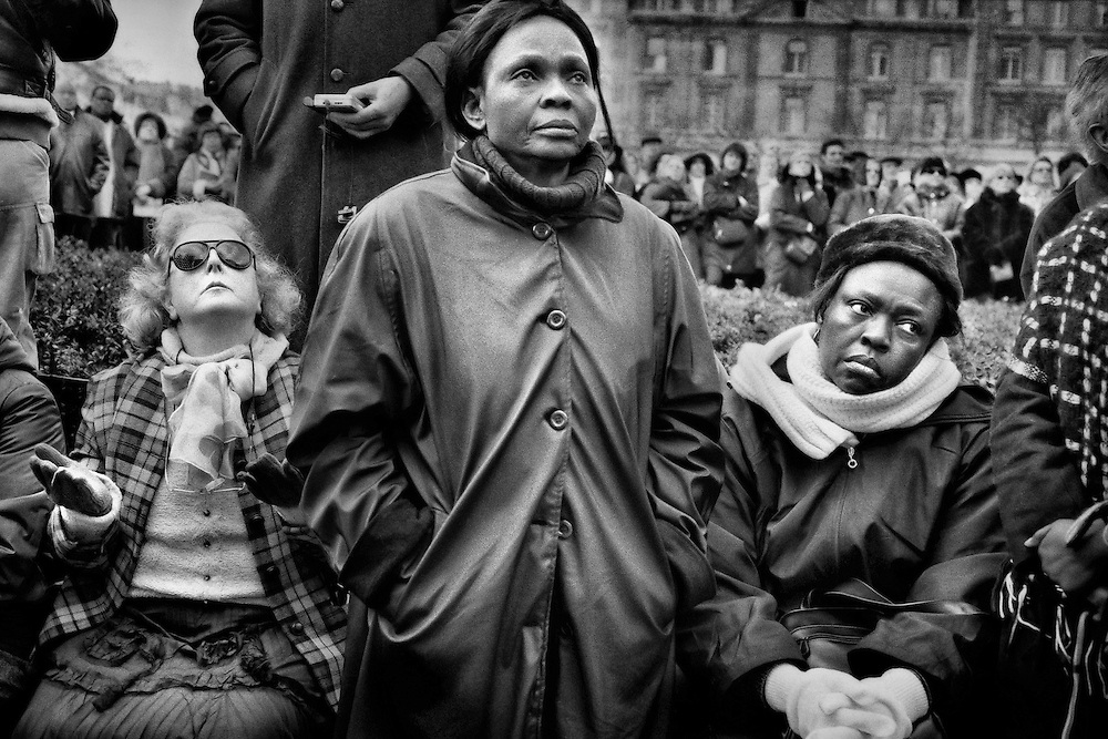 Paris, 2007.<br /> Parvis de la Cathedrale Notre Dame, 26 janvier, obseques de l'Abbe Pierre. Un hommage national est rendu au fondateur d'Emmaus.