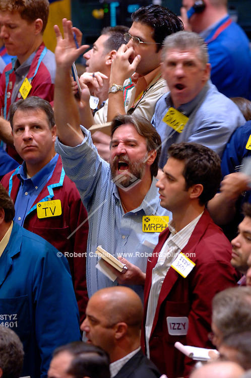 Energy Futures Traders buy and sell Crude Oil Futures in the Crude Oil Futures Pit at the New York Mercantile Exchange Monday, Nov. 21, 2005. (Robert Caplin/Bloomberg News)....