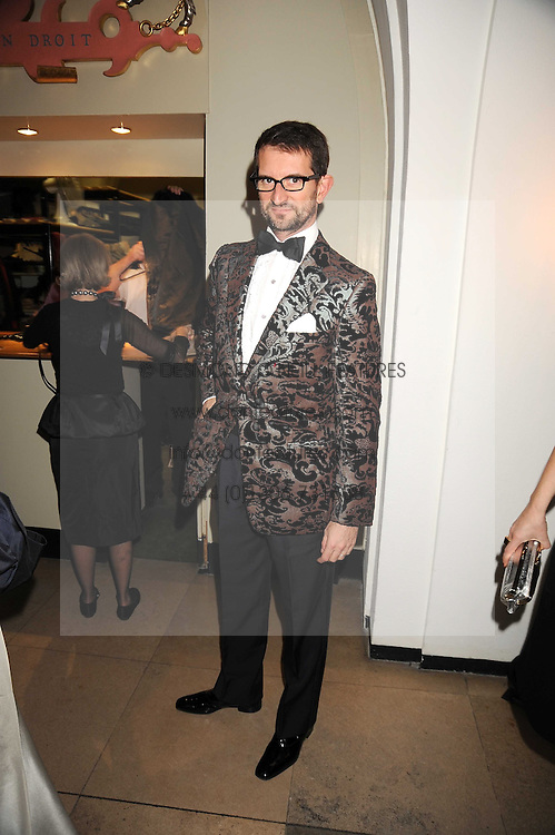 COUNT MANFREDIE DELLA GHERARDESCA at Chaos Point - a fashion show from Viienne Westwood's Gold Label Collection in aid of the NSPCC at The Banqueting House, London SW1 on 18th November 2008.