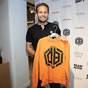 NLD/Haarlem/20190825 - Kledingpresentatie Daley Blind, Daley Blind showt 1 van zijn kledingstukken in samenwerking met Vingino