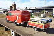 Mannheim. 29.07.17 | &Uuml;bung um M&uuml;hlauhafen<br /> M&uuml;hlauhafen. Rettungs&uuml;bung von Feuerwehr DLRG und ASB. Das Szenario: Ein Fahrgastschiff brennt und die Passagiere m&uuml;ssen gerettet werden. <br /> Auf der MS Oberrhein wird ge&uuml;bt. Dazu ankert das Schiff in der Fahrrinne des M&uuml;hlauhafens. Das Feuerl&ouml;schboot Metropolregion 1 kommt dazu.<br /> <br /> BILD- ID 0921 |<br /> Bild: Markus Prosswitz 29JUL17 / masterpress (Bild ist honorarpflichtig - No Model Release!)