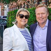 NLD/Amsterdam/201905229 - 10-jarig jubileum van Helden, Ronald Koeman en partner Bartina Borderveld