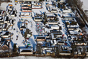 Nederland, Noord-Holland, Gemeente Hilversum, 31-01-2010; woonwagenkamp Egelshoek, sloopauto en autowrakken temidden van de woonwagens en stacaravans van de kampers .Egelshoek trailer park, car wrecks amidst the mobile homes and caravans.luchtfoto (toeslag), aerial photo (additional fee required).foto/photo Siebe Swart