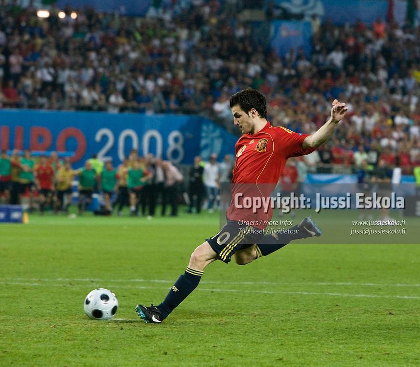 Cesc Fabregas. penalty kick shootout. Spain - Italy. Euro 2008. Quarterfinal. Vienna 22.6.2008. Photo: Jussi Eskola